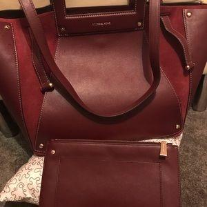 🔥Final Price! MK Handbag & Clutch Set!